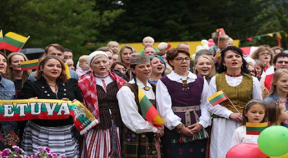 lietuviai dubline tautiska giesme urm nuotr 2016