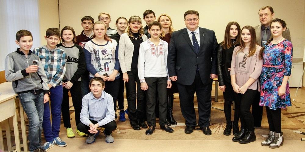 Linkevicius Ukrainos vaikai lnamai 20161230 URM