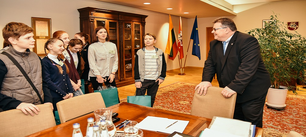 Mokiniai is Ukrainos pas URM ministra 20170122