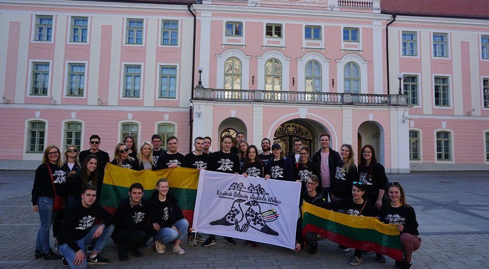 ULSK nariai prie Estijos Respublikos parlamento. 2019 04 27.
